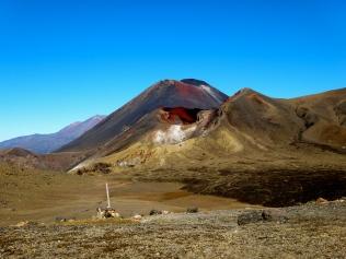Tongariro Alpine Crossing | 7 Wonders of the Backpacker's World