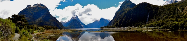 7 Wonders of the Backpacker's World | Kayaking Milford Sound