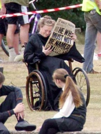 """""""Maggie Smith behind the scenes of HP - an incredible bad ass, both as the witch she played and in real life, for she was undergoing chemo while filming HP."""" Source: FanPop"""