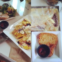Fresh flowers, giant crepes, cheap side dishes and delicious food overall makes CAFE EAN my new favorite restaurant.