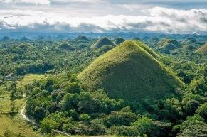 Bohol Chocolate Hills | Source: amusingplanet.com